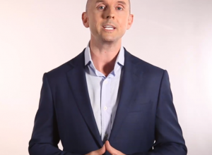 How To Become A Motivational Speaker In 3 Simple Steps blog image